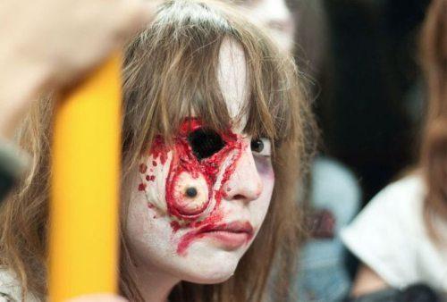 http://dl.masaf.ir/Ba-Ostad/Sokhanrani/Hamayesh-JonbeshMasaf/RevayateAhd/RevayateAhd-34/zombi%20(19).jpg