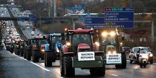 اعتراض تراکتوریِ فرانسویها علیه ماکرون