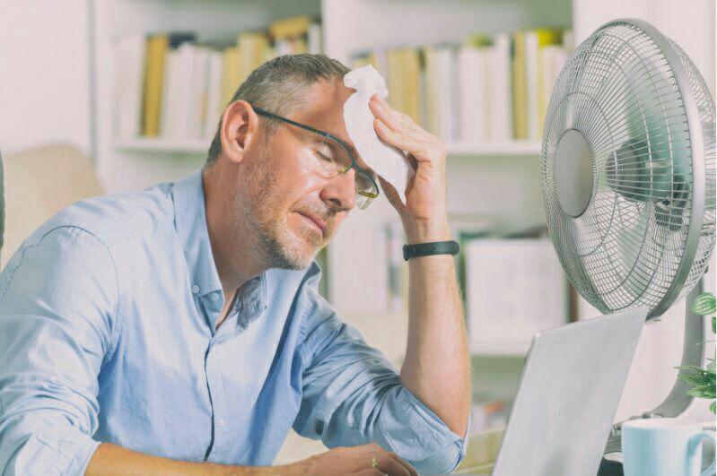 پنکه ی روشن در هوای گرم و خشک موجب افزایش فشار قلبی عروقی میشود.