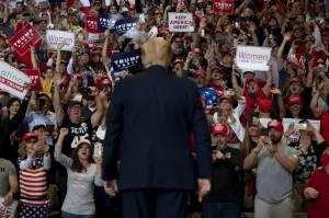 ترامپ به سبک دیکتاتورها
