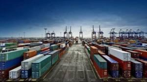 رسوب ۲ میلیون تن ذرت در بنادر کشور/ مشکلات در تامین ارزی برای واردات کالاهای اساسی به دلیل واردات بیش از حد شکر