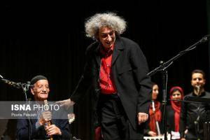 نادر مشایخی: شجاعت داشته باشید و به صحنه بروید