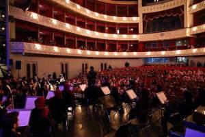 ارکستر ملی برای کودکان آسیب پذیر کنسرت اجرا کرد/ ثبت یک خاطره خوش سهراب کاشف