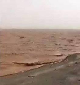 تبدیل شدن کویر به دریاچه در بارندگی های اخیر/ تصاویری حیرت انگیز از جاده زاهدان _ بم