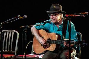 مرگ ناگهانی خواننده و آهنگساز آمریکایی روی صحنه