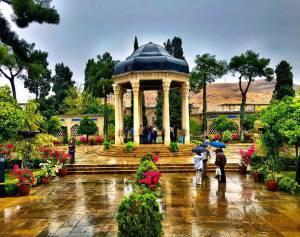 نمایی زیبا از آرامگاه حافظ | شیراز
