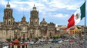 مکزیک بی اعتنا به بحران کرونا فستیوال بزرگ موسیقی برگزار کرد